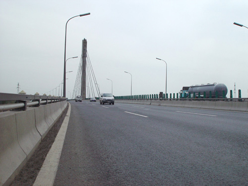 The waterproofing project of the elevated, swinging, cable stayed bridge in the south of Shijingshan District of Beijing
